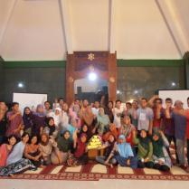 Indonesia: schools and community members apply sustainability ideas
